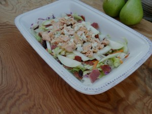 Grilled Salmon, Pear and Blue Cheese Salad #glutenfree