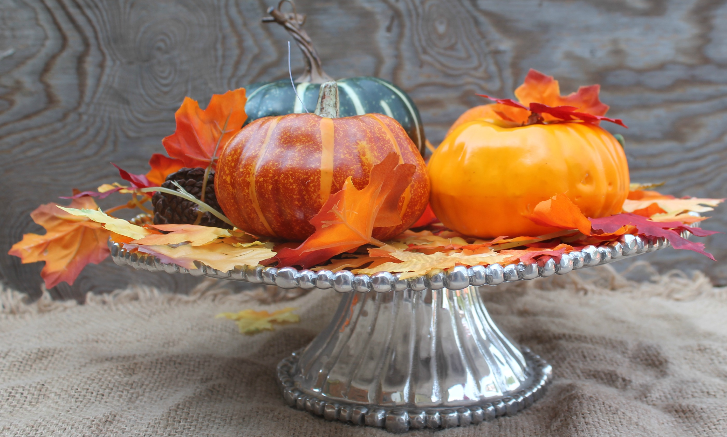How to make a simple lighted fall centerpiece simply for Simple pumpkin centerpieces