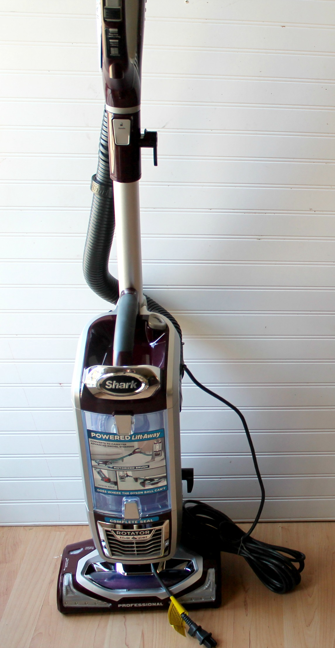 how to put attachments on shark vacuum