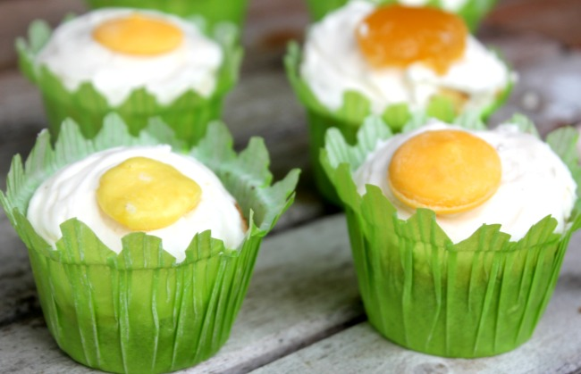 Cupcakes that Look Like Eggs