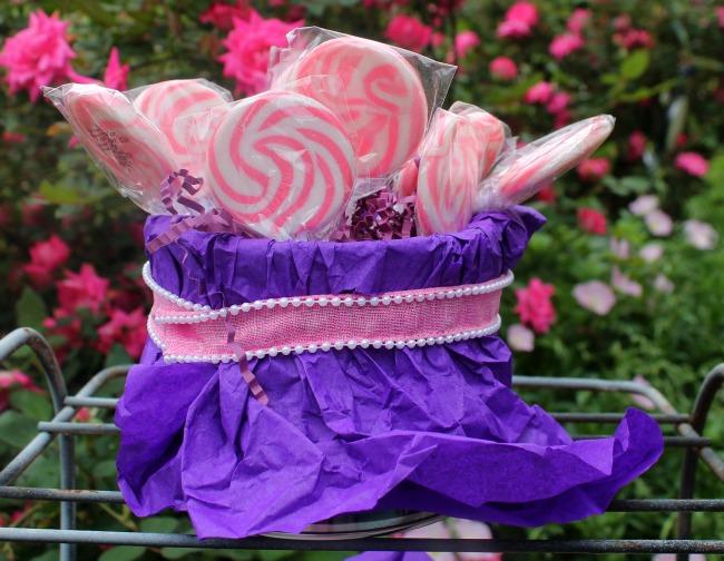 pink swirled centerpieces