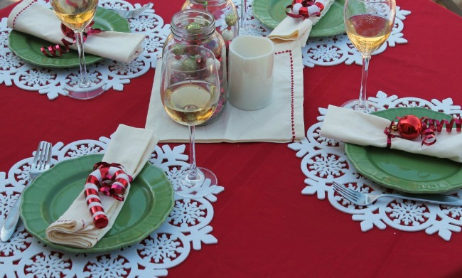 Easy-Christmas-Tablescape-