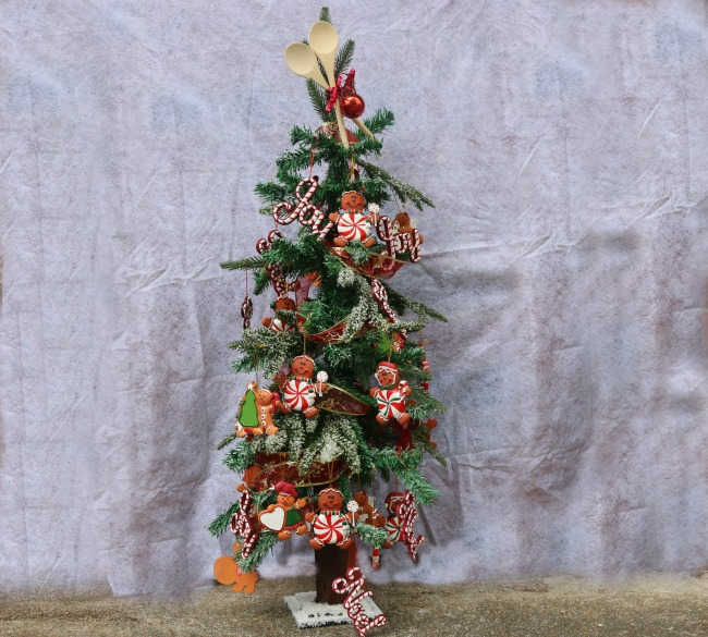 Awesome Small Christmas Tree Decorating Ideas Simply