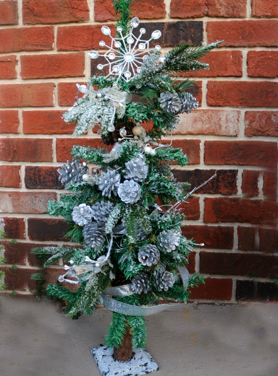 outdoor christmas tree - Small Christmas Trees Decorated