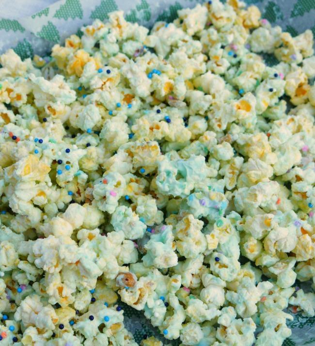 Easy Popcorn Snack Mix